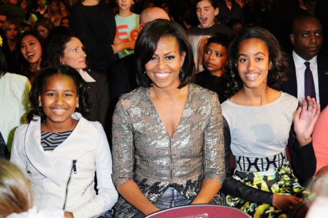 may-28th-2012-michelle-obama-takes-her-daughters-to-see-beyonce-in-concert